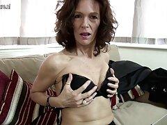 فتاة آشلي تظهر جسدها فيلم سكسي عراقيه الجميل