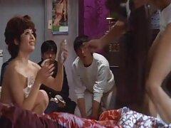 اعتقلت الشرطة مجموعة افلام سيكس عراقي من السيدات